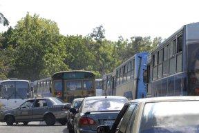 Decenas de autobuses eran pagados por el FSLN con recursos del estado. LA PRENSA/RENE ORTEGA