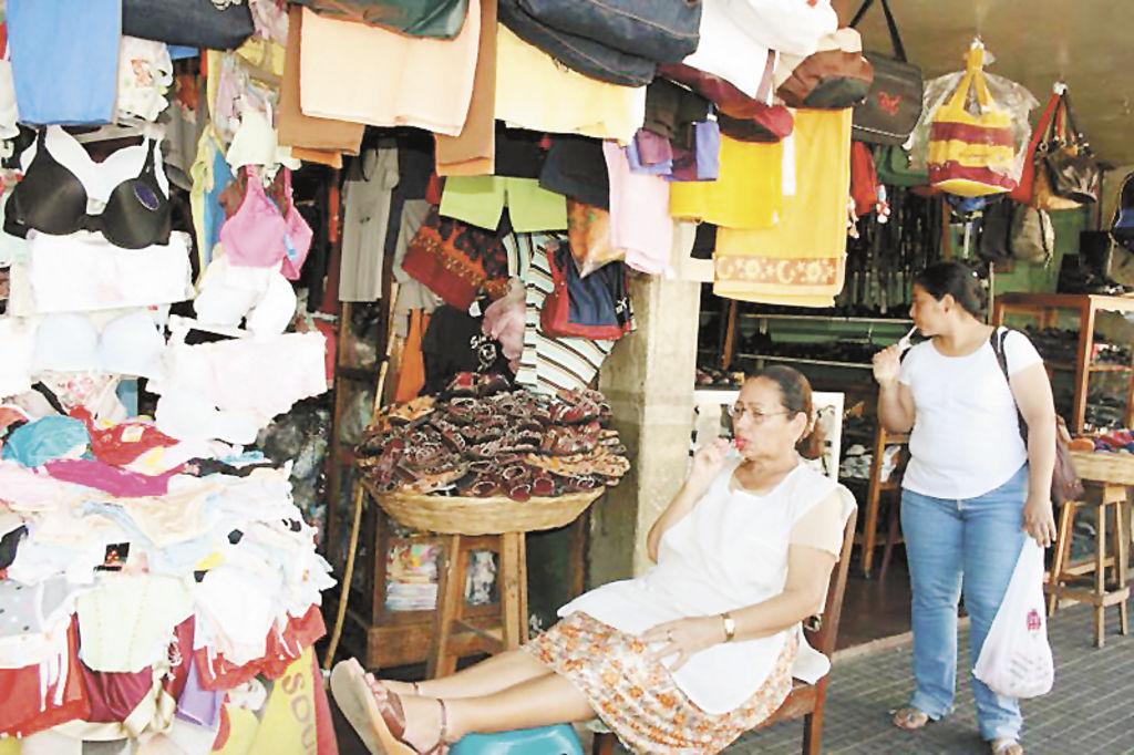 Los comerciantes leoneses esperan reponerse el fin de año.  LA PRENSA/E. LÓPEZ