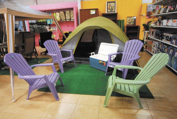 en Sinsa Radial Santo DomingoLAPRENSAA MONTANOJuegos de muebles de