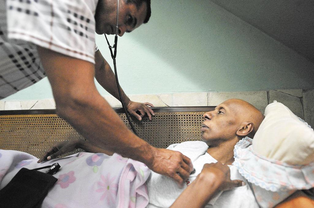 Fariñas rechaza dejar huelga de hambre