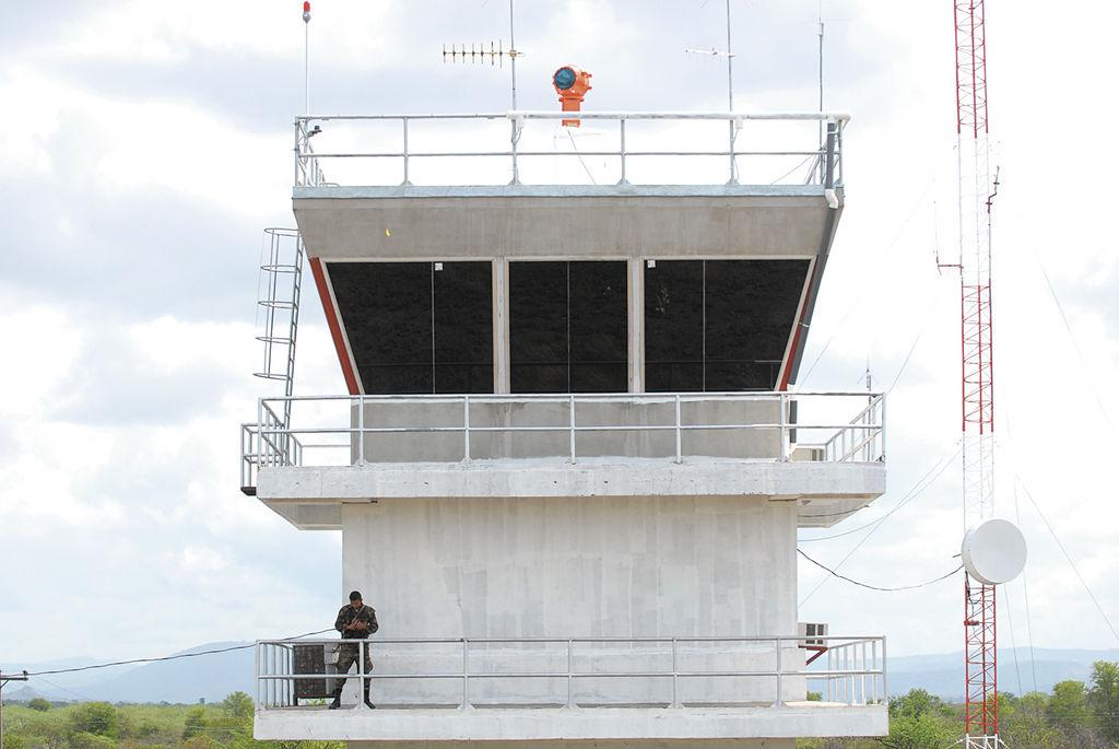 La nueva torre de control del aeropuerto Punta Huete, tiene instalados equipos modernos de navegación aérea. LA PRENSA/ O. NAVARRETE