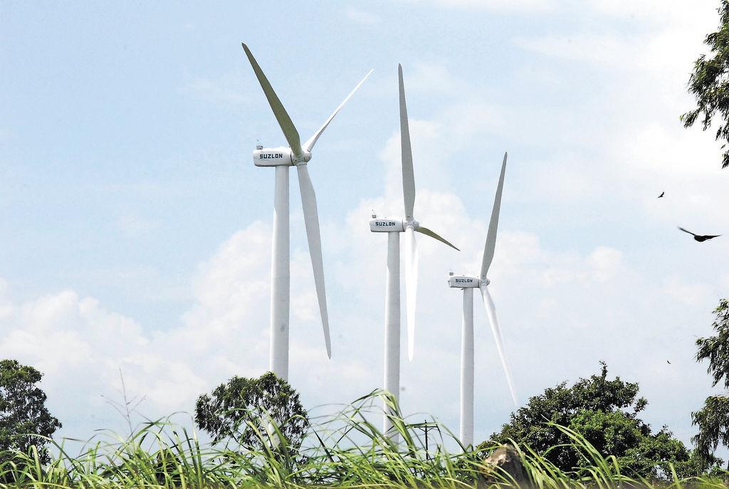 Diputados y defensores  rechazaron que se establezcan cobros exagerados en la generación eólica. LA PRENSA/ ARCHIVO.