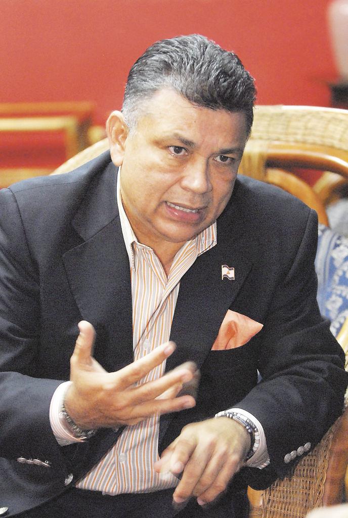 Wilfredo Navarro, diputado liberal.