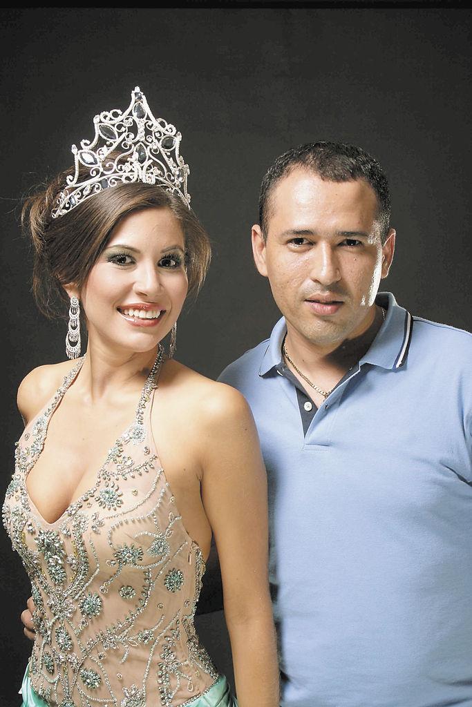 Oscar Chavarría. Maquillaje: Renée Fabiola Dávila. Peinado: Juanes Estilistas. Vestuario: Tienda Coco`s. Cortesía Miss Nicaragua.