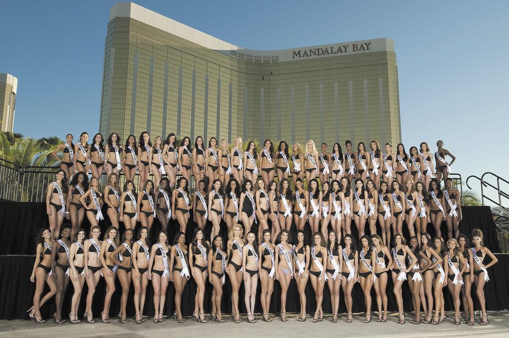 Candidatas de más de 80 países se disputarán la corona de Miss Universo, el próximo 23 de agosto en el hotel Mandalay Bay y será conducido por el rockero Bret Michaels y la corresponsal de NBC Natalie Morales. LA PRENSA/AFP/DARREN DECKER