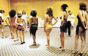 En sus mejores épocas la convocatoria anual que realiza la agencia Silhuetas ha reunido a más de 300 aspirantes a la corona de belleza.