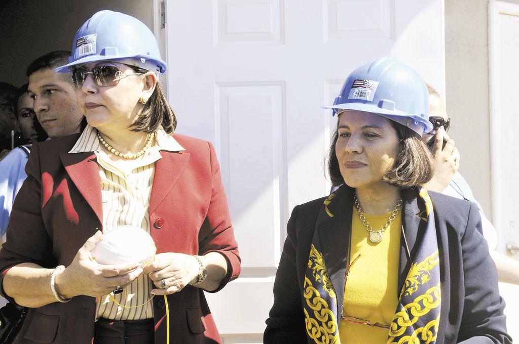 """La magistrada orteguista  Alba Luz Ramos (izquierda), también defendió la iniciativa de  una """"ley del bozal"""".  LA PRENSA/G. MIRANDA"""