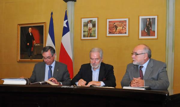 Nicaragua y Chile firman acuerdo comercial