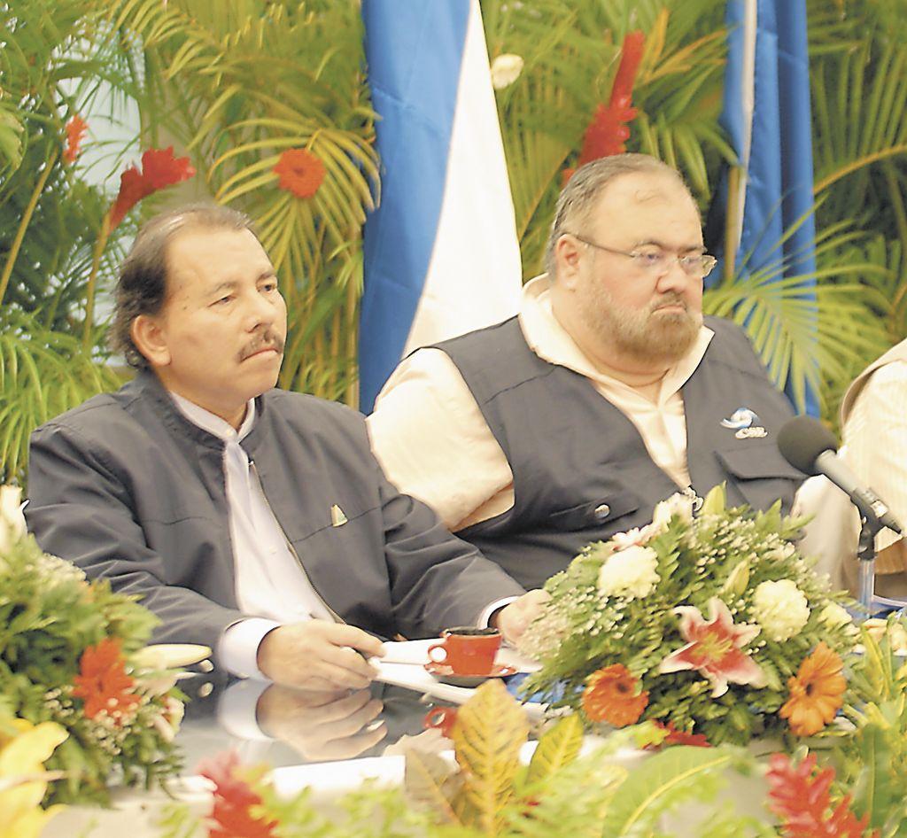 Daniel Ortega ha encontrado en Roberto Rivas un aliado para alcanzar su ansiada reelección. Rivas, magistrado de facto del Poder Electoral, anunció que inscribirá la candidatura de Ortega para las elecciones presidenciales del 2011.
