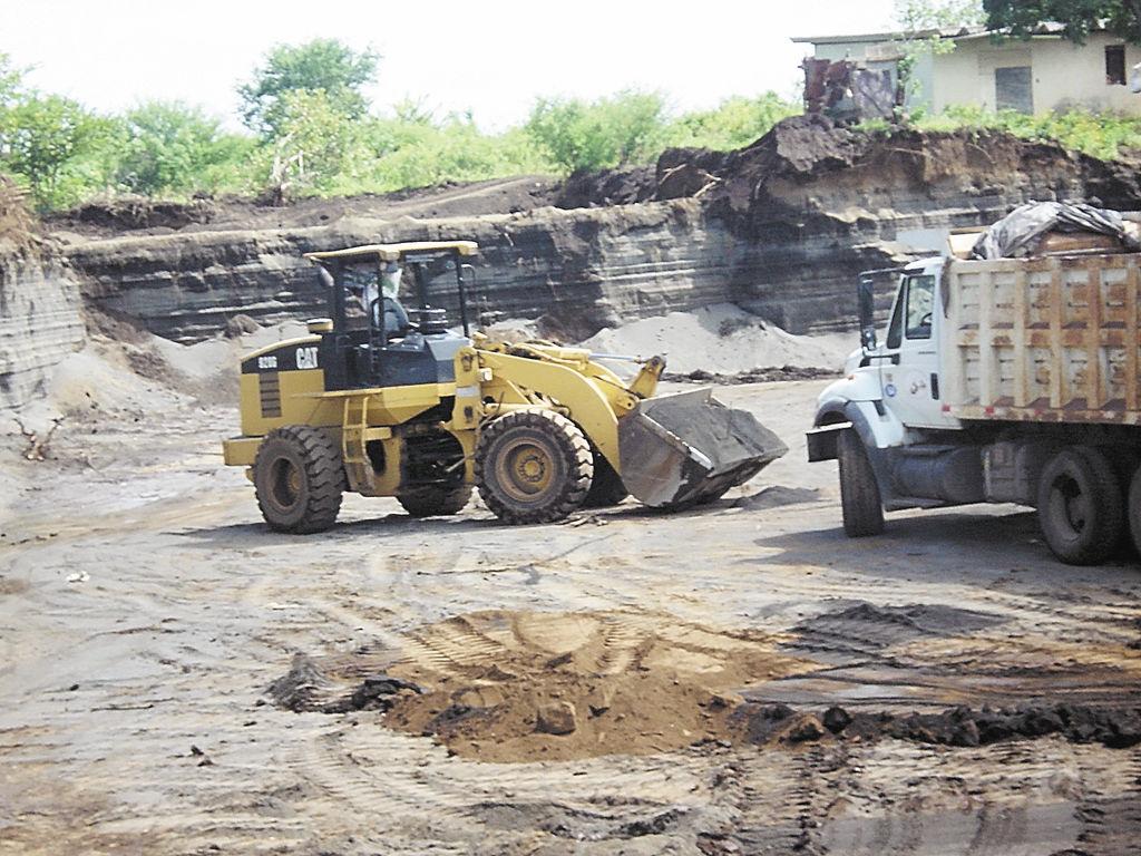 La explotación del cerro Motastepe,  el cual tiene la mejor arena de Centroamérica, acarrea problemas ambientales al municipio de Ciudad Sandino, en el departamento de Managua. LA PRENSA/ FOTOS: M. LARGAESPADA
