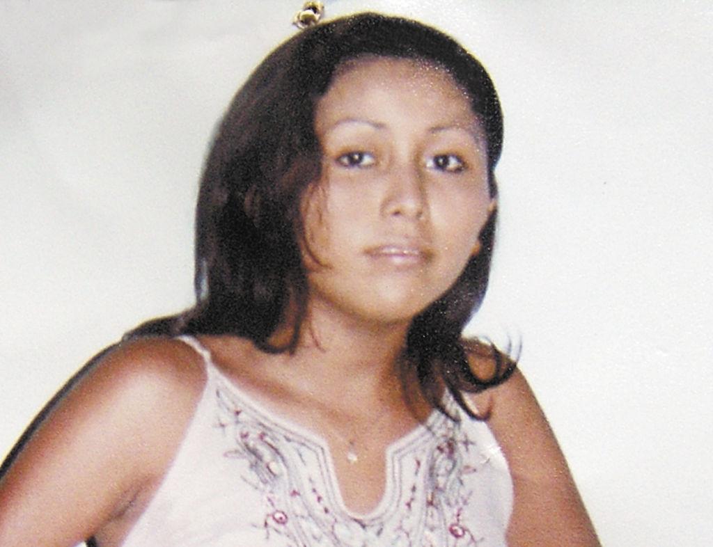 Compañeras de la joven lamentan la tragedia y  lloran la muerte de Suyén, quien acababa de cumplir 20 años de edad y llevaba dos meses en la zona franca. LA PRENSA/B.Picado