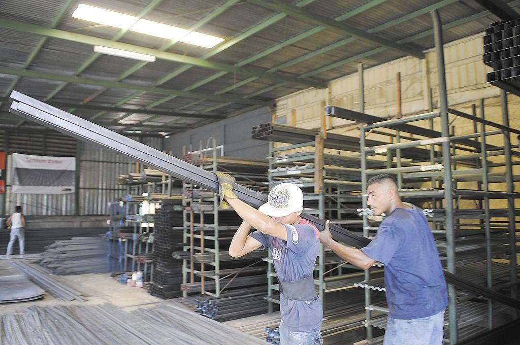 Crudo sube precios de materiales de construcci n la prensa - Materiales de construccion precios ...