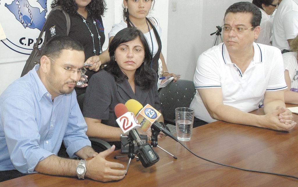 Periodista amenazada espera justicia