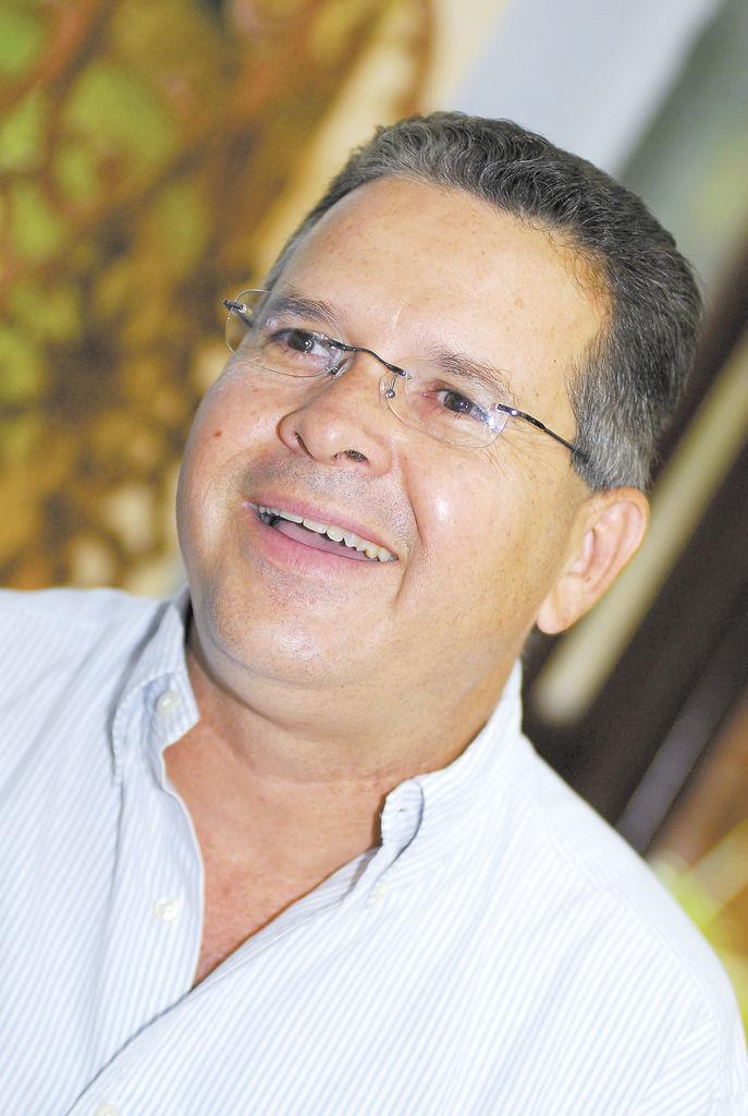 """(González) Es una excelente persona, excelente amigo. Empresario fortísimo, muy grande. Yo lo traje al Canal 4. Conoció a Daniel Ortega en esa época (años 90)"""". Dionisio Marenco Ex gerente de Canal 4"""