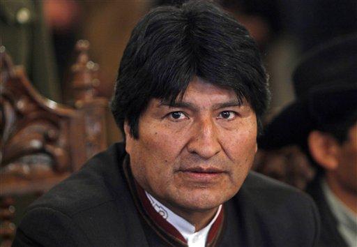 Morales toma juramento a nuevos magistrados en medio de críticas de oposición