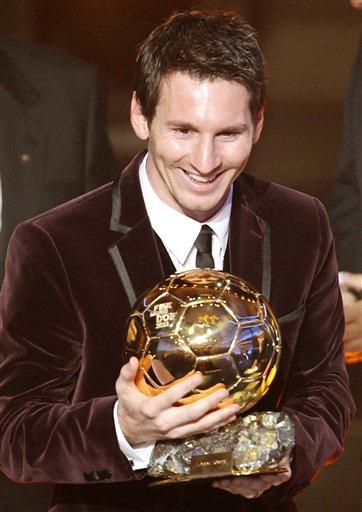Messi gana su tercer Balón de Oro consecutivo
