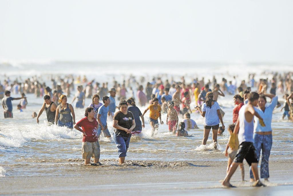 Nicaragua promoverá sus destinos turísticos con muestra de paracaidismo