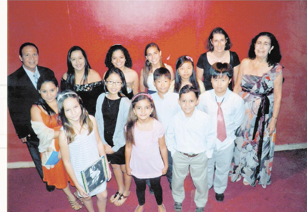 Estudiantes  de la escuela de música Heitor Villa-Lobos.  la prensa/Cortesía.