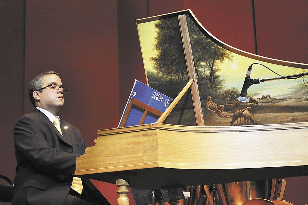 Bernard Joseph Gordillo, músico clásico. LA PRENSA/Arnulfo Agüero