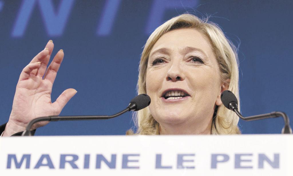 """Sigamos la batalla en la oposición. Os necesito para devolver la libertad, dignidad y orgullo a los franceses"""". Marine Le Pen (43 años),  del Frente Nacional que se ubicó como la  tercera fuerza política."""