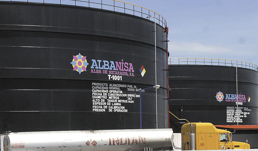 Albanisa domina la importación  y almacenamiento de los carburantes venidos desde Venezuela y podría estar exportando también cantidades importantes a destinos no confirmados. Dichas exportaciones, de existir, no están registradas en el Centro de Trámites para las Exportaciones (Cetrex). LA PRENSA/REPRODUCCIÓN