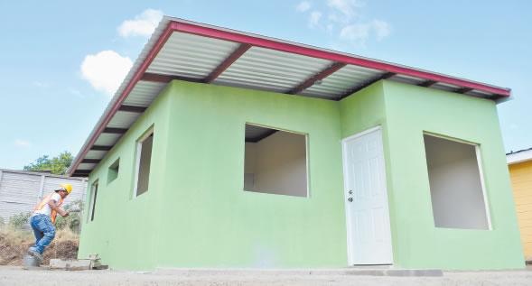 Nicaragua maderas y techos empujan precios tractopart for Precios de maderas para techos