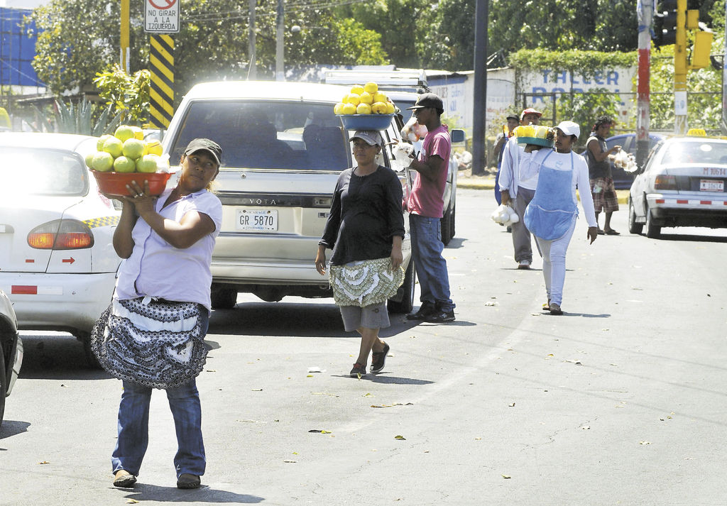 Pese a la mejora en los indicadores macroeconómicos,   Nicaragua aún es uno de los países más pobres de América Latina y tiene a la mayoría de su fuerza laboral ocupada en el sector informal.  LA PRENSA/ARCHIVO