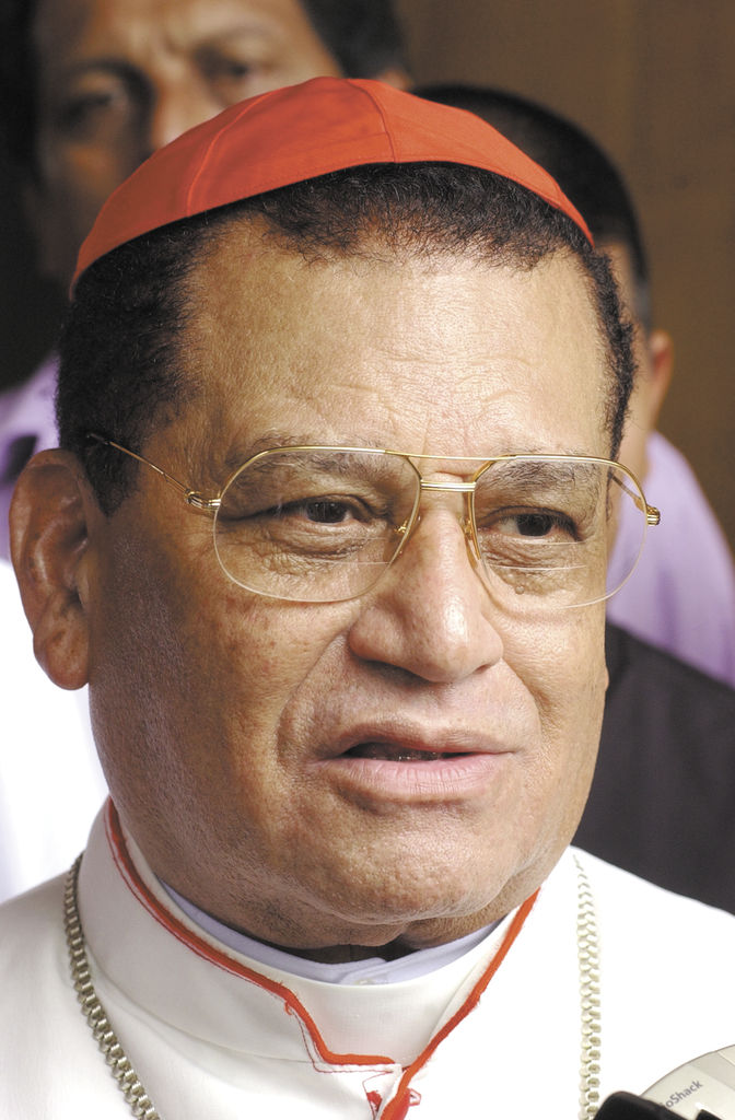 Cardenal Obando grave de salud