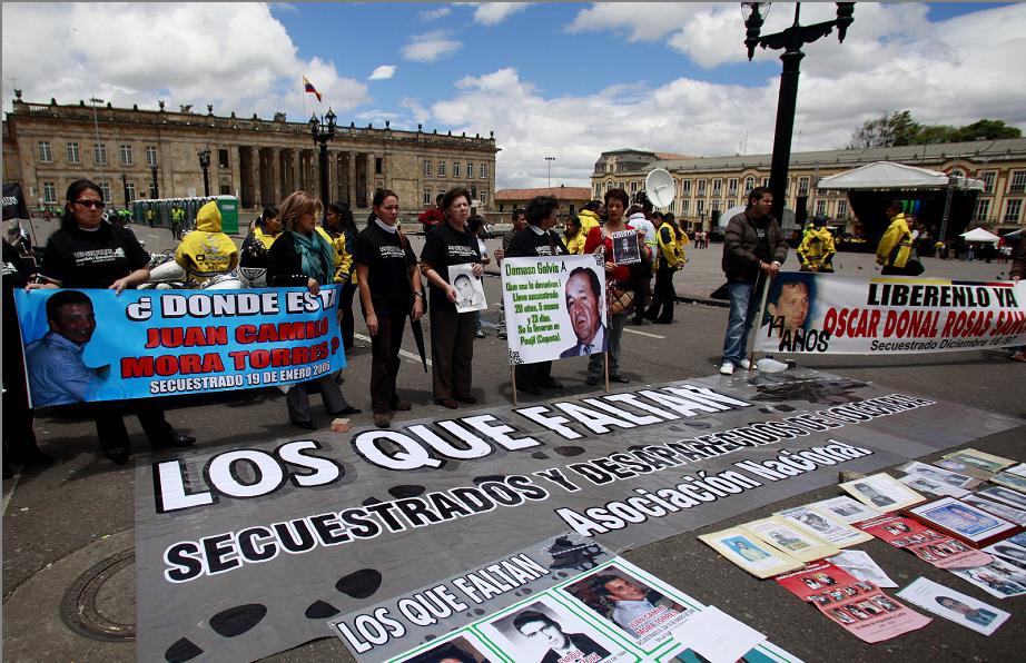 Indignados por las FARC