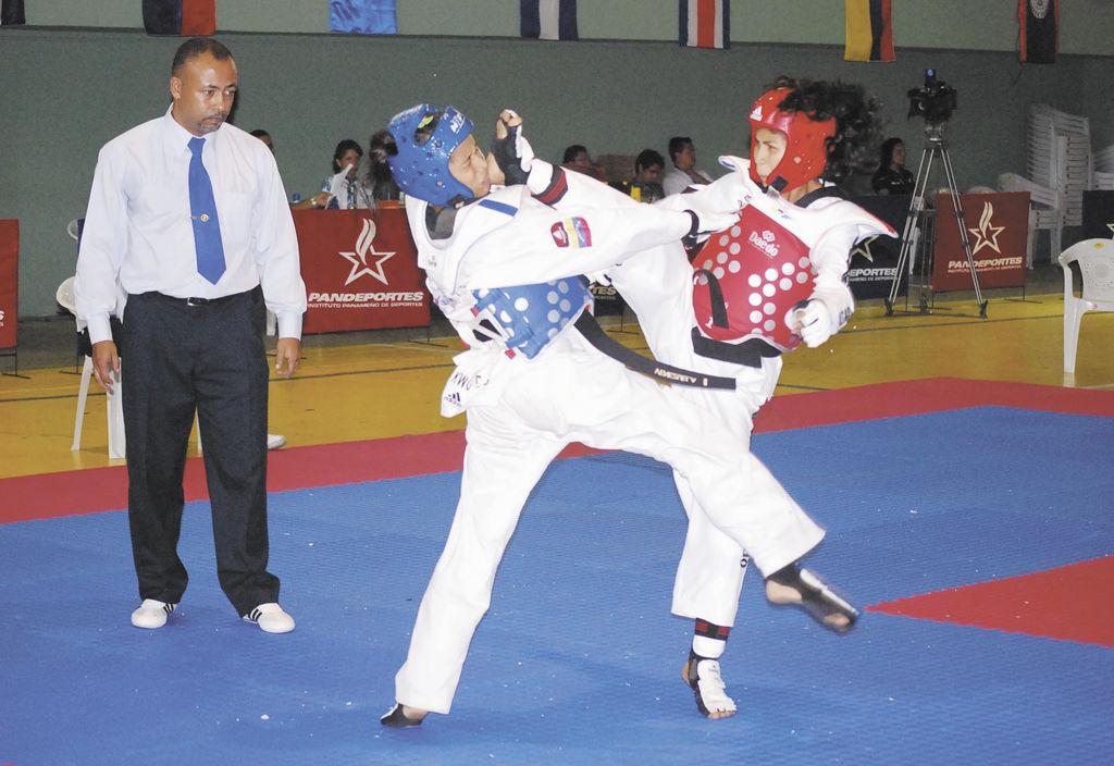 Cuatro platas en tae kwon do