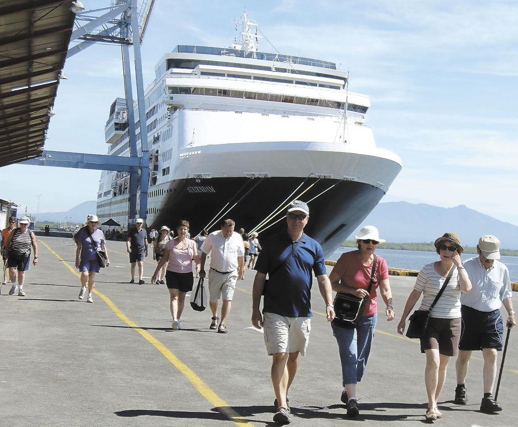 Inicia temporada de cruceros en Corinto