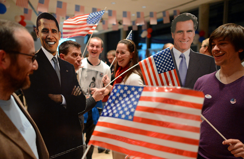 Un confiado Obama felicita a Romney por su campaña
