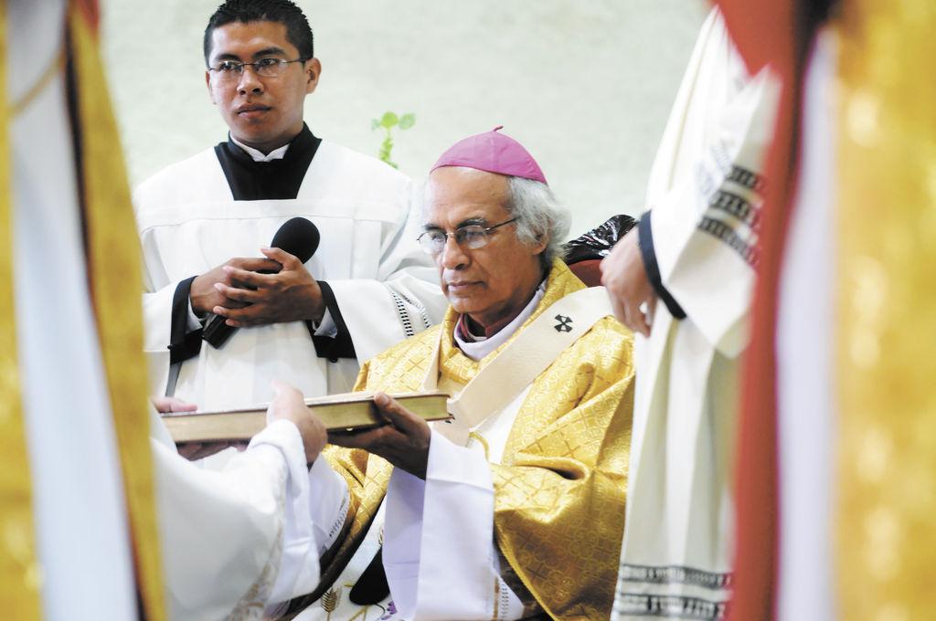 Monseñor Leopoldo Brenes, arzobispo de la Arquidiócesis de Managua, defendió la partida presupuestaria para las iglesias, alegando que la ayuda es para las reparaciones o proyectos sociales, y no a título personal. LA PRENSA/ A. ZÚÑIGA