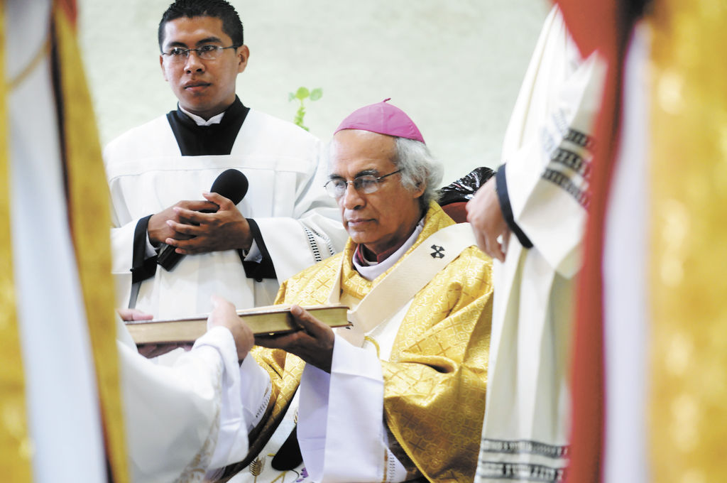 Dinero del PGR divide a sacerdotes