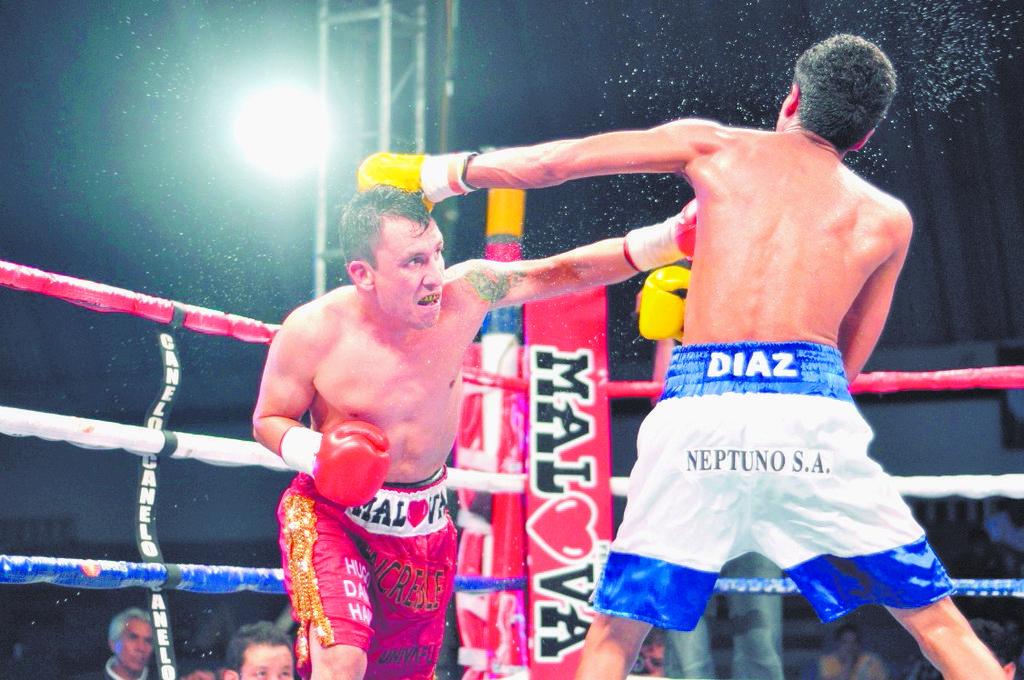 Cazares  pelea en México hoy