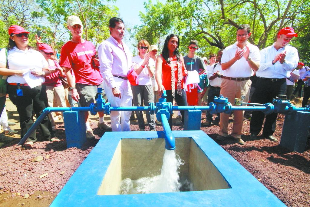 Agua limpia y un pozo para La Gallina