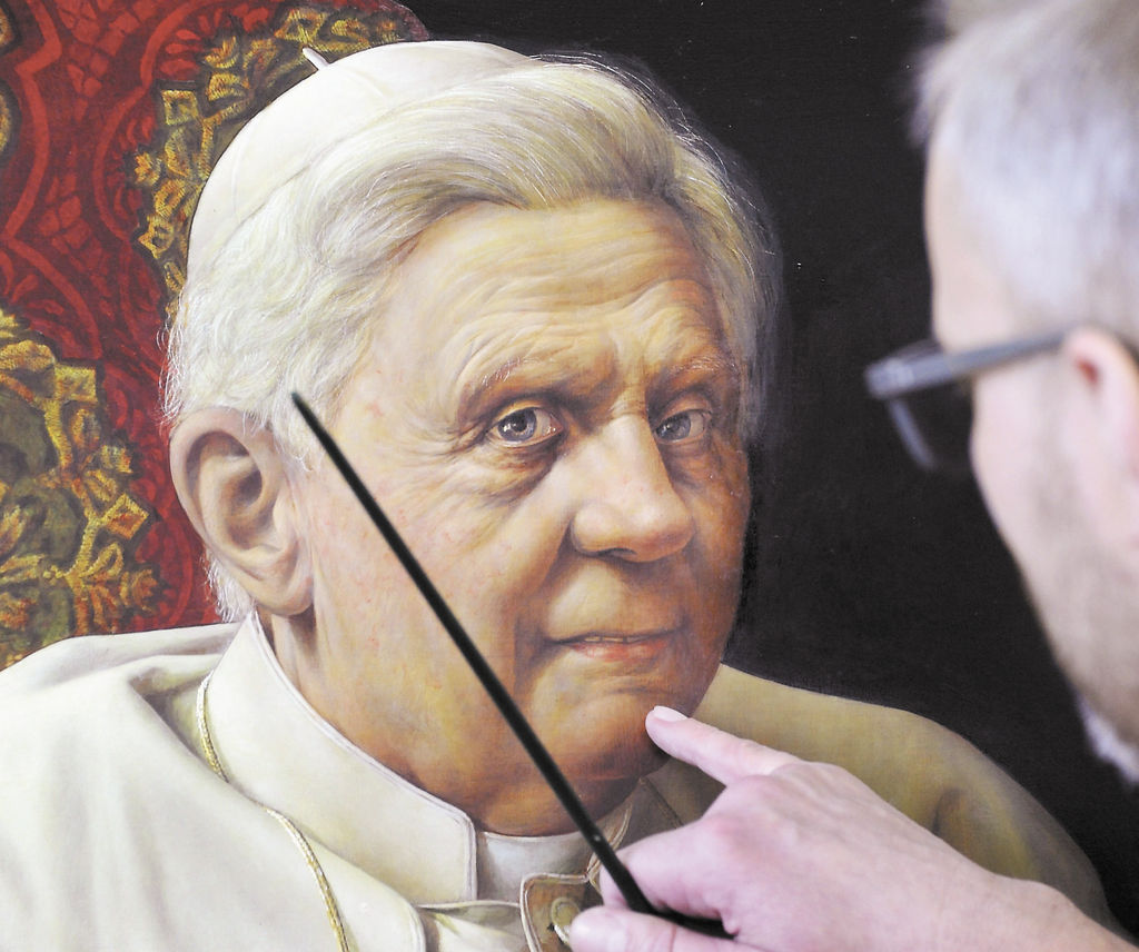 Desmitifica la figura del  papa