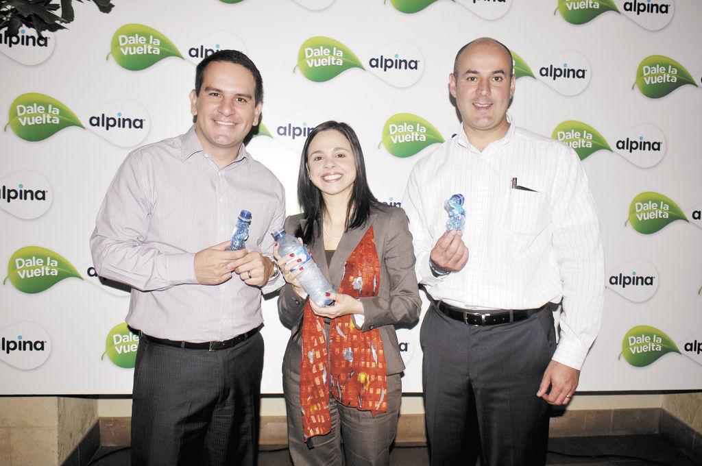 A reciclar con nuevas botellas de agua
