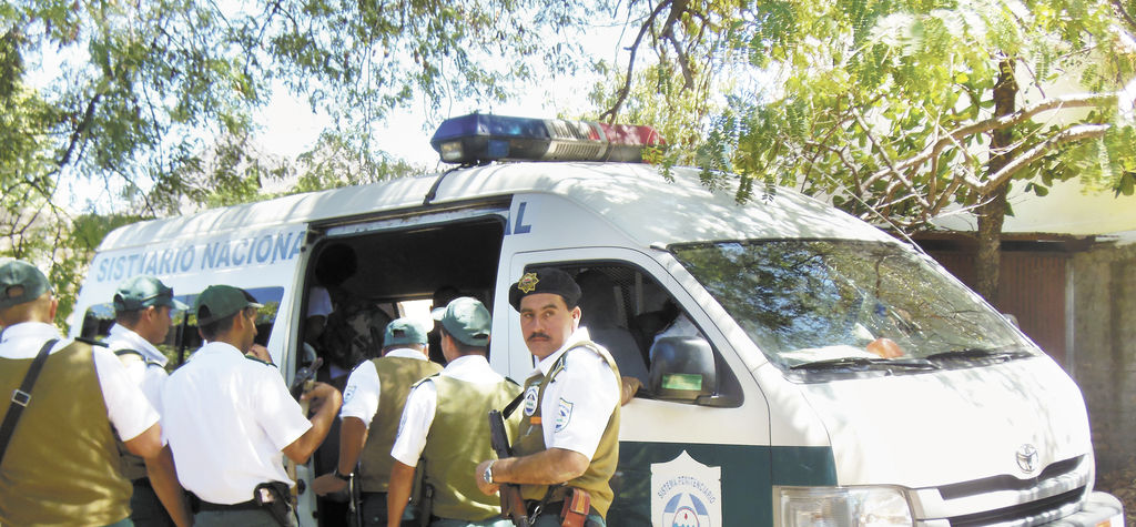 Los acusados fueron escoltados por un fuerte dispositivo  policial y del sistema penitenciario regional Puertas de la Esperanza de de Estelí. LA PRENSA/W. ARAGÓN