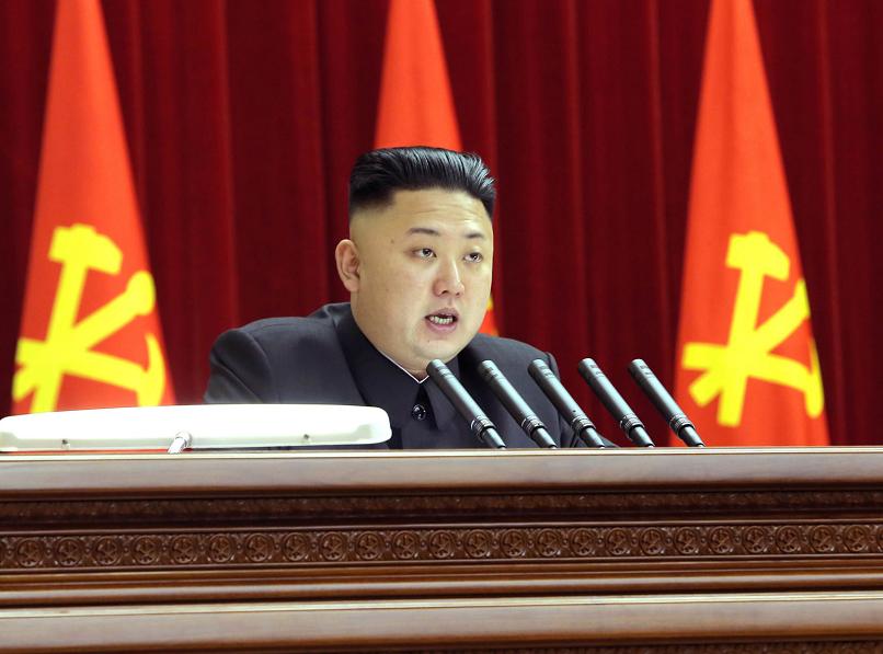 Corea del Norte dispara tres misiles al Mar de Japón