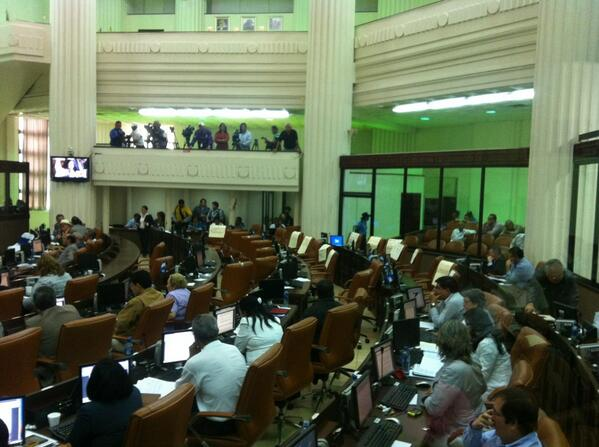 Los asientos de los diputados opositores quedaron vacíos, luego de haber votado en contra del Gran Canal. LA PRENSA/V. Vásquez