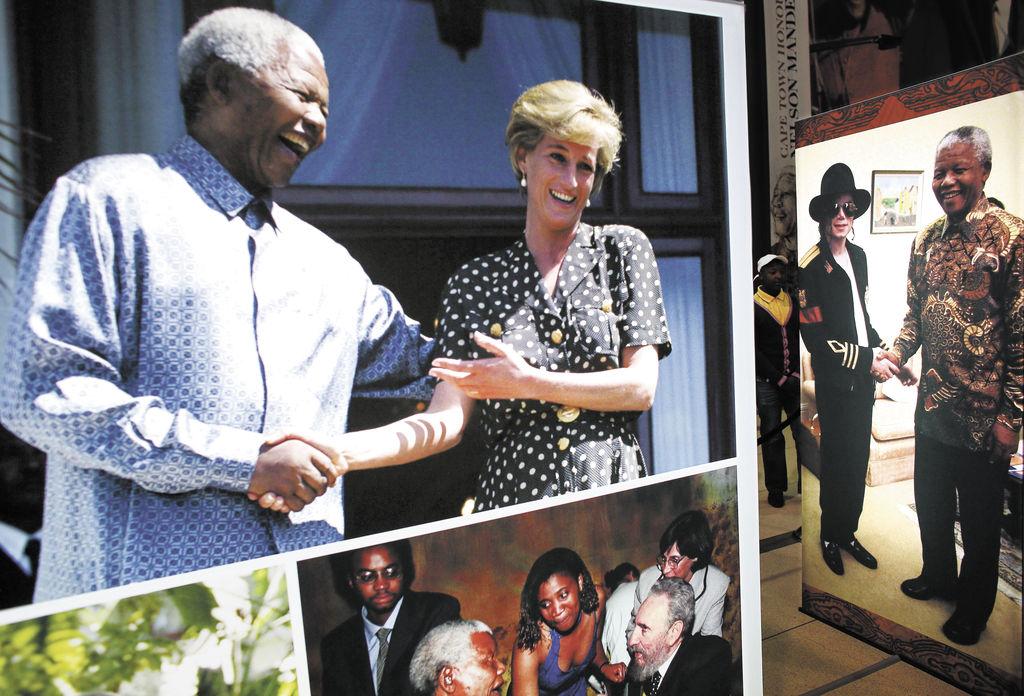 Con diferentes personajes famosos. Arriba, con la princesa Diana; a la derecha con Michael Jackson y abajo con Fidel Castro.