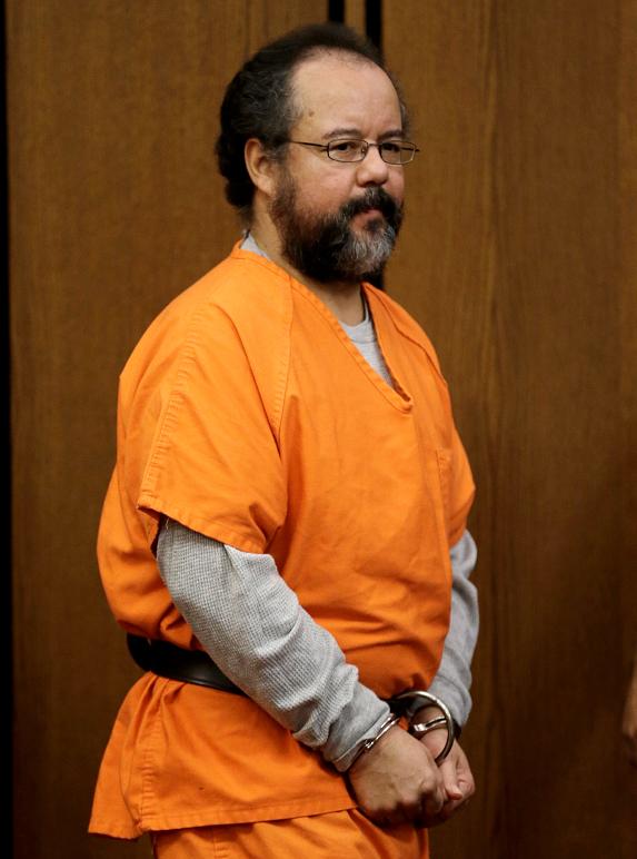 Encuentran a secuestrador de Cleveland muerto en su celda