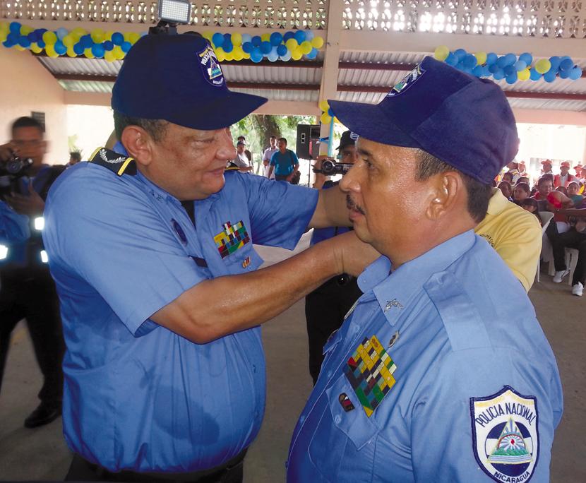 Tres nuevos comisionados forman parte del personal policial en la RAAS  LA PRENSA/S. LEÓN