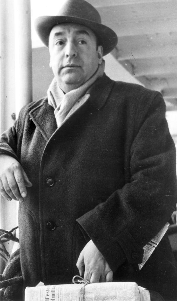 Neruda es llevado al cine como mujeriego, aburguesado, entrañable, idealista y generoso