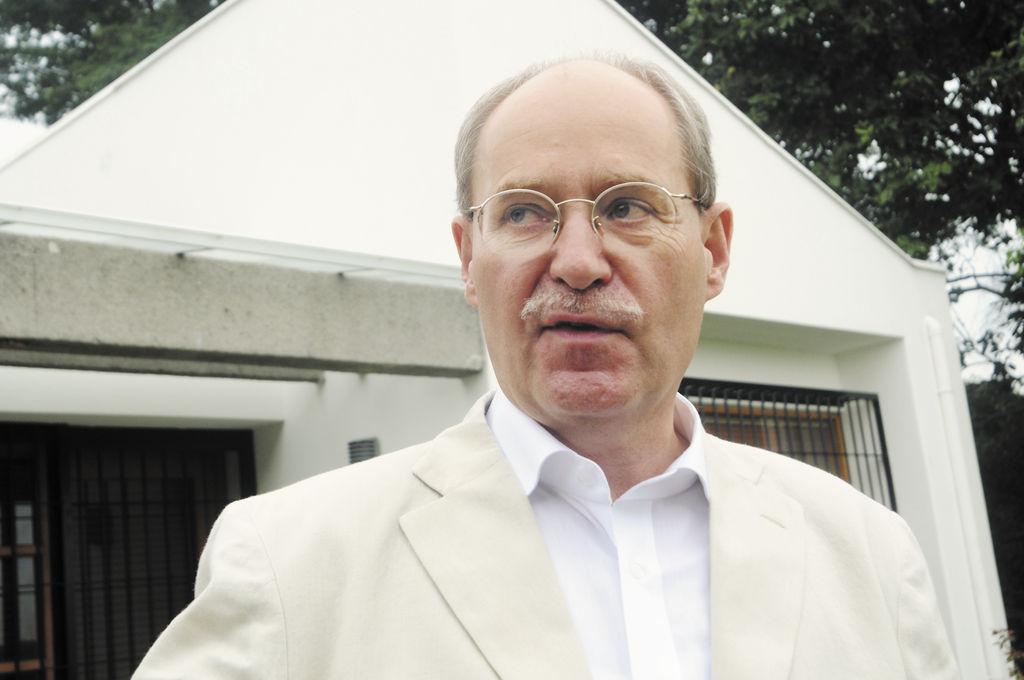 """En este momento tenemos un Parlamento muy apretado y esto será muy interesante. En nuestro sistema el voto se hace por correo, así que el ciudadano vota libremente"""". Karl-Otto König,  embajador de  Alemania en Nicaragua."""