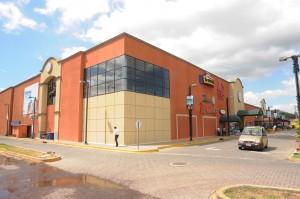 El 31 de diciembre pasado cumplió tres años de funcionamiento el Centro Plaza Occidente, el cual seguirá ampliando sus instalaciones. LA PRENSA/ D. NIVIA