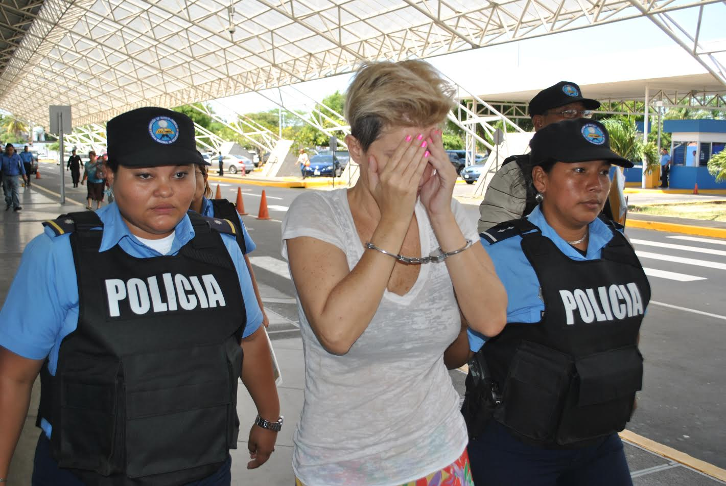 Nicaragua deporta a Ana Alliegro