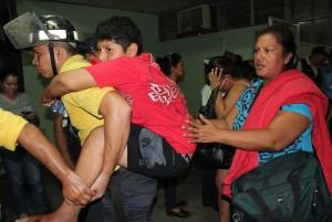 Pacientes del hospital escuela Óscar Danilo Rosales de León fueron evacuados. LA PRENSA/E. LÓPEZ