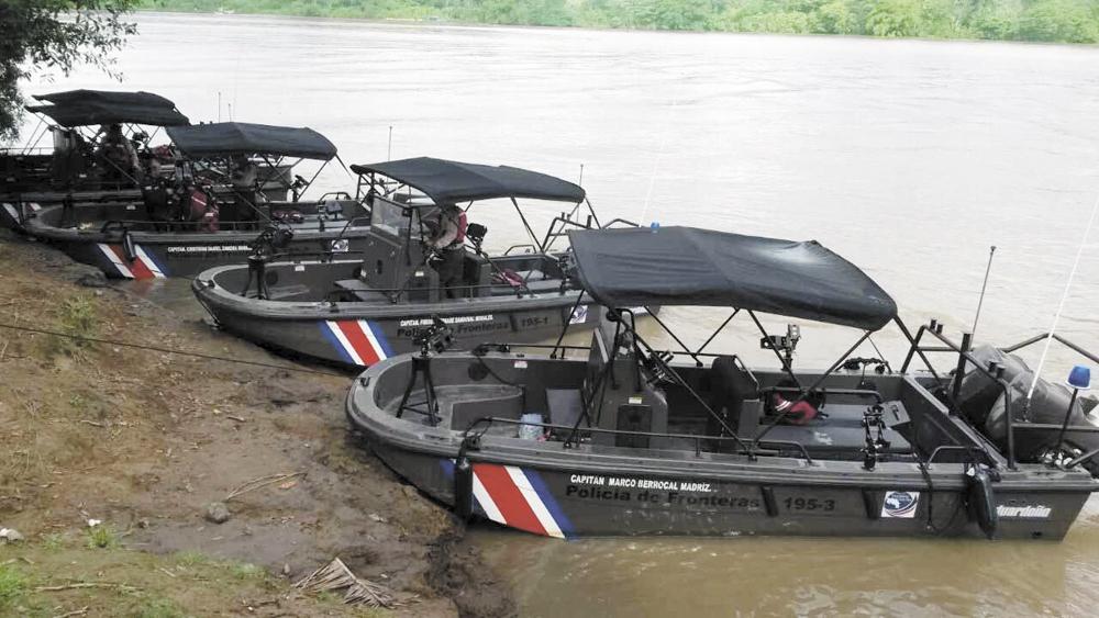 EE. UU. obsequia lanchas a Costa Rica